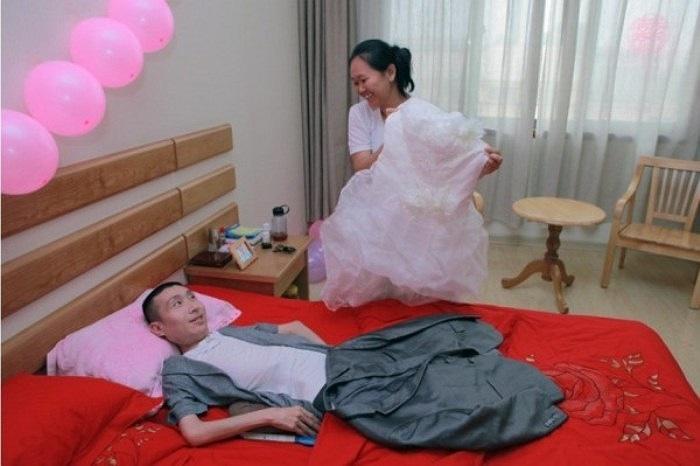 Hôm 8/8 vừa qua, đám cưới của họ đã được tổ chức trong không khí tràn ngập hạnh phúc dưới sự chứng kiến của gia đình và họ hàng.