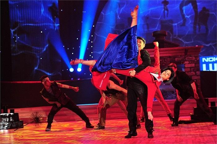 Xem lại những hình ảnh đáng nhớ của Ngô Kiến Huy trên sân khấu Bước nhảy hoàn vũ mùa thứ tư.