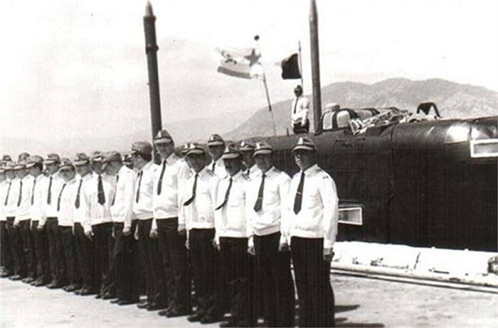 Trong thời hạn 25 năm, phục vụ một đơn vị thường trực chiến đấu mang tên Liên đội tàu chiến số 17 của Hạm đội Thái Bình Dương.