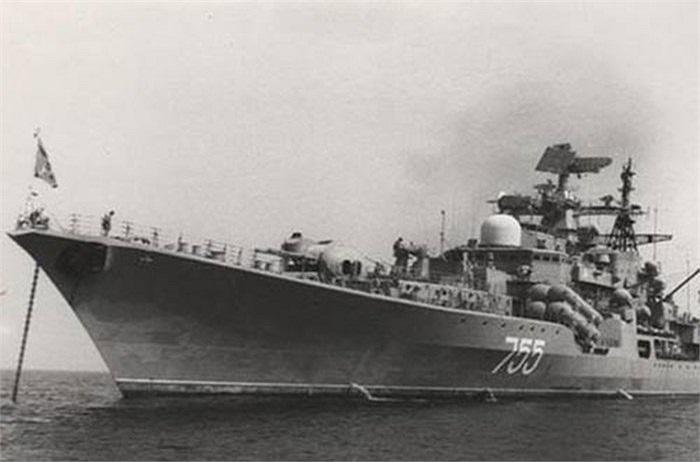 Matxcơva đã có một thỏa thuận thuê lại Cam Ranh như là một cơ sở cho hải quân Liên Xô trong vòng 25 năm để hỗ trợ các hoạt động hải quân Xô Viết ở Thái Bình Dương