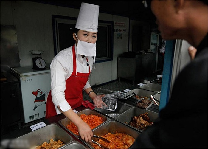 Một cửa hàng bán dưa chua truyền thống ở Bình Nhưỡng