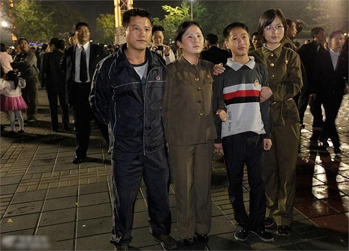 Đi chơi tối trên đường phố Bình Nhưỡng