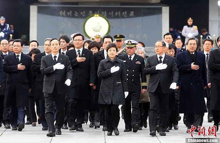 Thách thức lớn nhất với bà Park là những vụ thử hạt nhân của láng giềng Triều Tiên