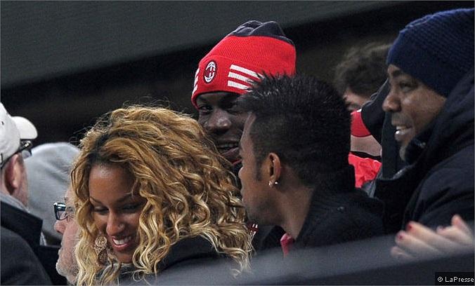 Và niềm vui cuối cùng cũng đã đến. Balotelli có thể nở nụ cười mừng bàn thắng mở tỷ số của Boateng, rồi bàn ấn định tỷ số của Muntari.
