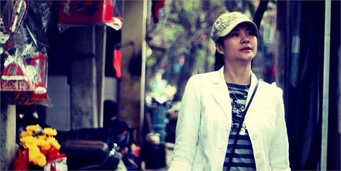 Diễn viên Kim Oanh trong hình ảnh khá bụi bặm, khỏe khoắn và năng động.