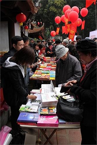 Hàng nghìn người yêu thơ trên khắp cả nước đã về lễ hội thi ca lớn nhất trong năm.
