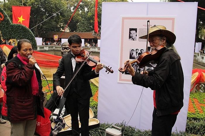 Ngày thơ Việt Nam đã thực sự trở thành ngày hội của những người yêu mến thi ca trên khắp mọi miền Tổ quốc.