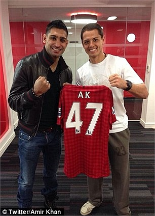 Chicharito là fan ruột của Amir Khan
