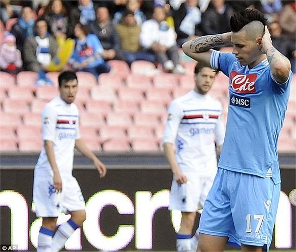 Hamsik vừa bị cướp dí súng vào đầu ngay sau trận Napoli- Sampdoria