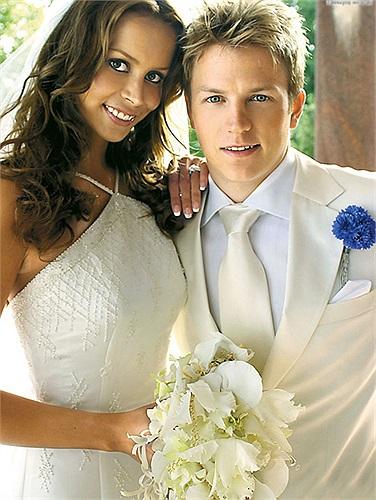 Kimi Raikonen- tay đua F1 nổi tiếng thế giới vừa li dị vợ sau 8 năm chung sống