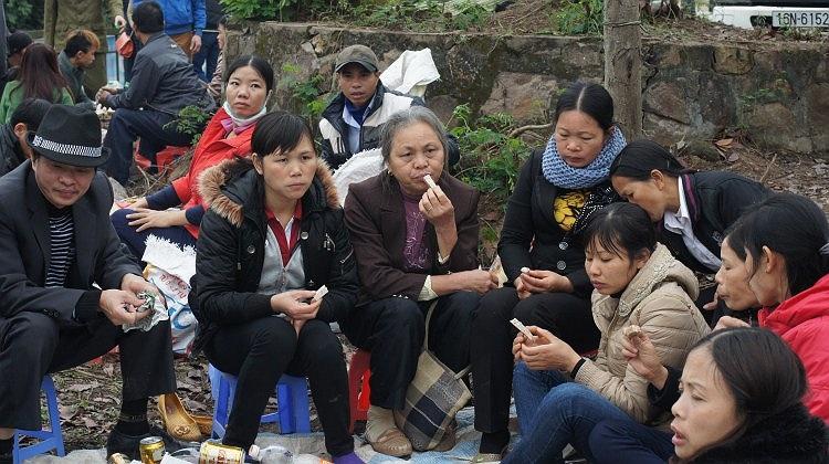 Du khách thập phương vẫn luôn dành tình yêu mến cho quan họ Bắc Ninh. Minh chứng là những đoàn người ở nhiều tỉnh thành trên cả nước đã đến tham dự lễ hội sáng nay.