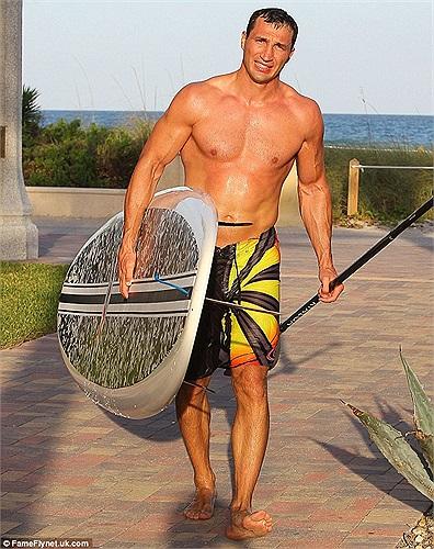 Wladimir Klitschko- tiến sĩ đấm bốc hiện đang vui vẻ nghỉ ngơi ở Miami