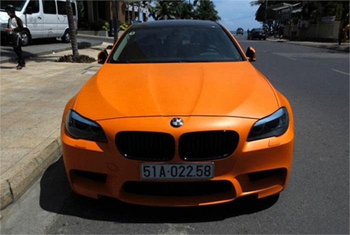 BMW độ màu cam biển Sài Gòn cũng có mặt tại Nha Trang.(Theo Vnexpress)