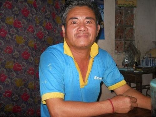 Chủ nhân của ngôi nhà này là ông Nguyễn Văn Cường (54 tuổi), trú tại xóm Đồng Xoài, xã Hoa Thành, huyện Yên Thành, tỉnh Nghệ An. Được biết ông Cường là thương binh 4/4.