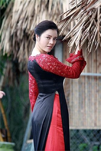 Đối thủ của Lý Nhã Kỳ trong cuộc đua đến vị trí đại sứ du lịch là người đẹp Huỳnh Thị Ngọc Hân.