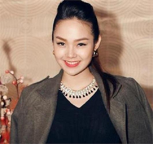 Xuất hiện ở sự kiện nào, Minh Hằng cũng xinh đẹp rạng ngời.
