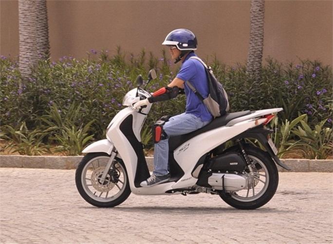 Nhận thấy sai lầm khi bỏ ngỏ phân khúc xe ga có giá tiền 60-80 triệu đồng và sau khi PCX không thành công, Honda quyết định tăng nội địa hóa lên tới hơn 90%, thổi công nghệ mới và đặc biệt hạ giá gần 50% để ra lò SH 2012.