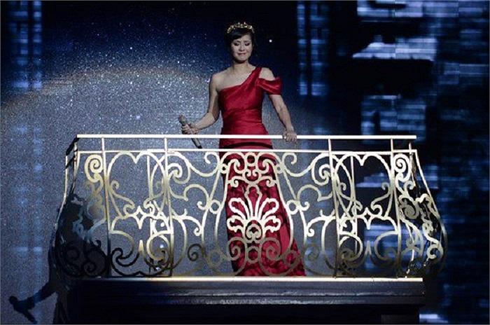 Bống Hồng Nhung luôn khiến người ta liên tưởng đến một nàng công chúa kiều diễm.
