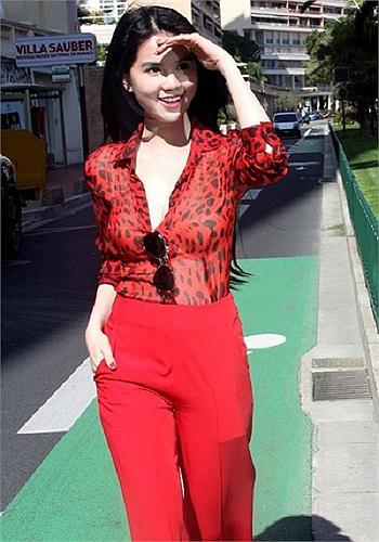 Nhưng Ngọc Trinh vẫn tự hào vì những gì mình có được: người mẫu nội y 9X kiêm bà chủ tiệm spa.