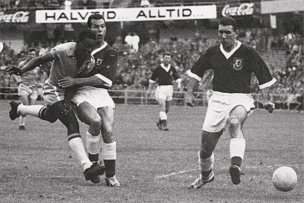 Nổi tiếng là người ghi được hơn 1000 bàn thắng, vua bóng đá Pele đã có tổng cộng 1088 pha lập công trong tổng số 1115 trận thi đấu cho Santos