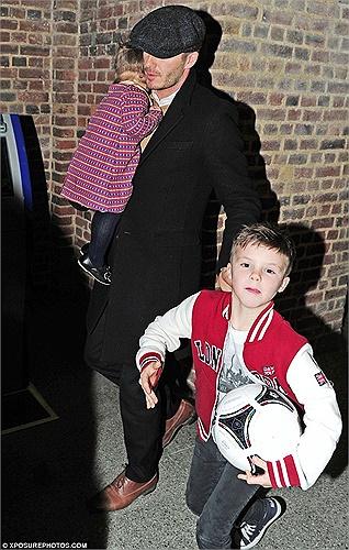 Nhà Beckham tổ chức sinh nhật cho cậu ba Cruz Beckham