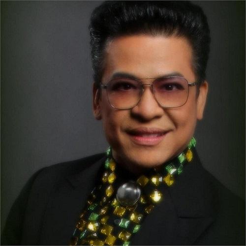 MC Thanh Bạch.