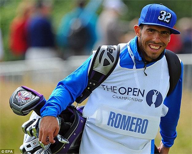 Tevez được mời sang Las Vegas đấu golf