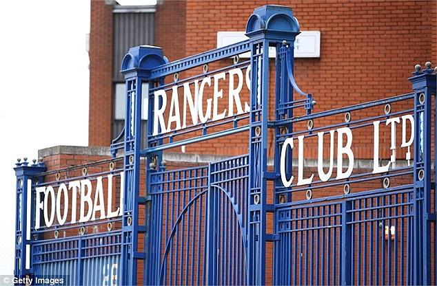 Để trả nợ, Rangers buộc phải bán tên sân vận động cho chủ tịch Newcastle
