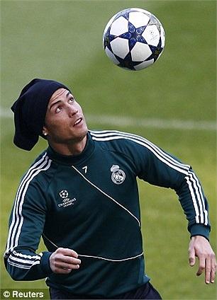 Ronaldo luyện tập tại Etihad, sân nhà Man City