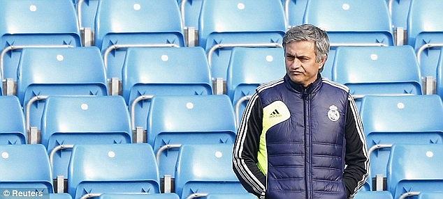 Mourinho: Tôi chẳng nghĩ đến việc làm HLV tại MU