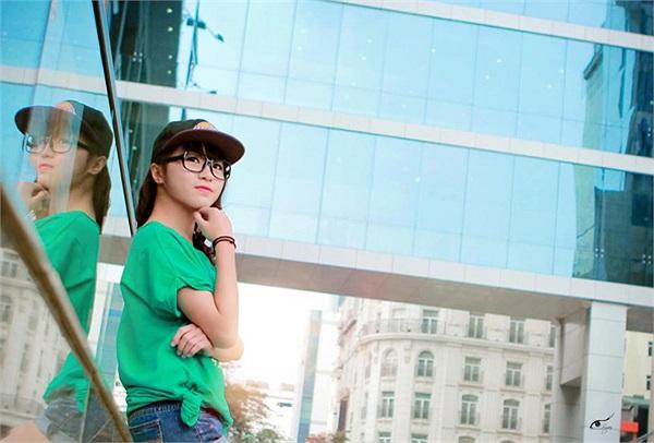 Bạn ấy còn là một vận động viên Dancesport đội tuyển Hà Nội với nhiều thành tích