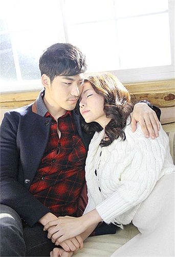 Câu chuyện tình yêu trong MV của Trà Ngọc Hằng là sự tiếp nối cho câu chuyện tình yêu yêu mà không đến được với nhau ở MV 'Nếu như ngày xưa'.