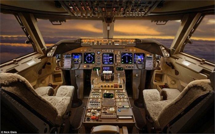 Thậm chí, trên những máy bay cá nhân siêu sang, chỗ ngồi của phi công cũng hết sức sang trọng