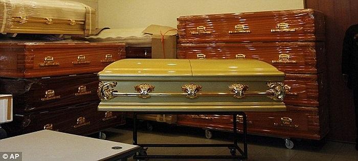 Chiếc quan tài của thi thể nữ sinh 23 tuổi