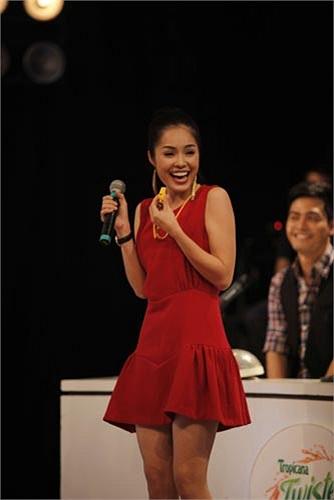 Diễn viên Dương Cẩm Lynh sau 14 năm đăng quang Á hậu Điện ảnh 1999 vẫn giữ  vẻ đẹp tươi tắn, trẻ trung.