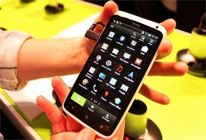 HTC one X:HTC ra mắt dòng 'One' tham vọng của hãng với chiến binh one X. Tại MWC 2012, sản phẩm nổi bật với bộ xử lý lõi tứ, hoạt động trên hệ điều hành Android 4.0