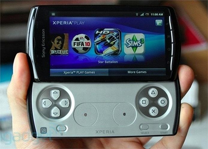 Sony Ericsson Xperia Play:Điện thoại chơi game 'PlayStation' chính thức xuất hiện tại MWC năm 2011. Sony Ericsson Xperia Play đã trở thành bước tiến quan trọng trong cuộc chiến di động nhưng sản phẩm lại hạn chế những phần cứng chủ chốt.