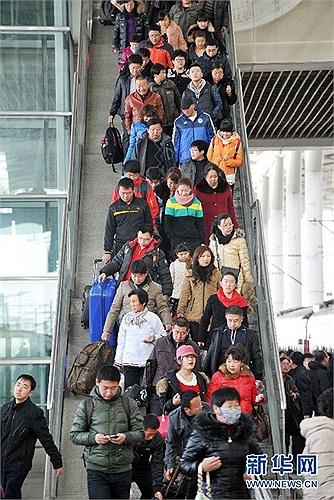 Giới chức Trung Quốc cho hay, mùng 5 và mùng 6 Tết là 2 ngày cao điểm đón tỉ lượt người
