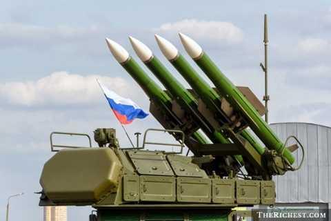Liên bang Nga. Ngân sách quốc phòng 84,5 tỷ USD. Liên bang Nga hiện là quốc gia sở hữu nhiều xe tăng chiến đấu nhất hành tinh với khoảng 13.000 chiếc