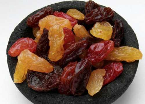 Trái cây khô có ảnh hưởng xấu đến hàm răng (Ảnh: alamy)
