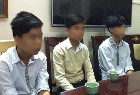 """Học sinh bị đình chỉ học vì """"tè bậy"""": Công an vào cuộc điều tra"""