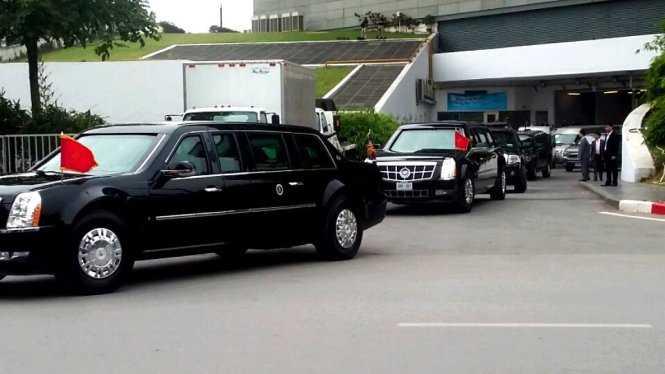 Đoàn xe chở Tổng thống Obama đã rời khách sạn - Ảnh: Tuổi trẻ
