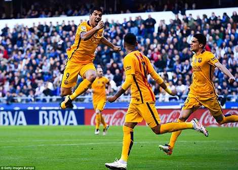 Suarez đã có một trận đấu tuyệt vời với 4 bàn thắng