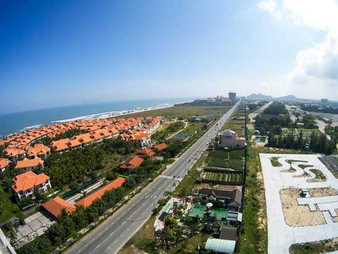 Hàng loạt lô đất ven biển Đà Nẵng nghi đã rơi vào tay người Trung Quốc. Ảnh: Đoàn Nguyên