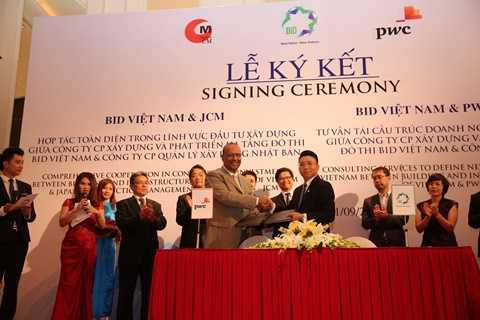 Lễ ký kết Hợp đồng tư vấn tái cấu trúc Doanh nghiệp giữa BIDGROUP và PwC tháng 9/2015