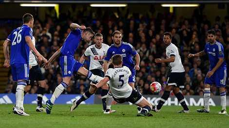 Dù bị dẫn trước 2 bàn nhưng Chelsea đã lật ngược tình thế để giữ lại 1 điểm