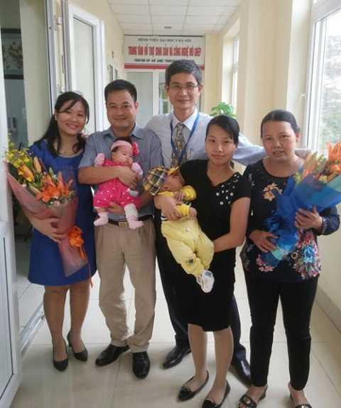 Các cặp vợ chồng hạnh phúc khoe thành quả với PGS.Sơn