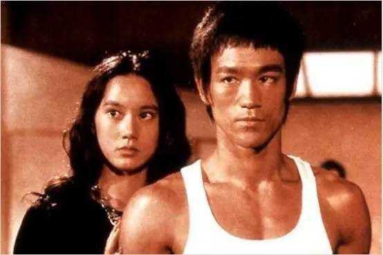 Lý Tiểu Long và Miêu Khả Tú từng có mối quan hệ thân thiết