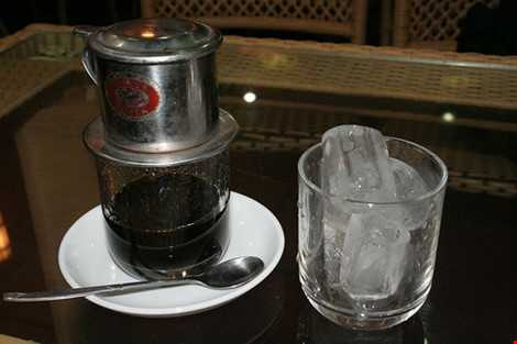 Cà phê hoặc nước tăng lực sẽ giúp bạn tỉnh táo hơn