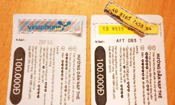 Thủ đoạn dùng mã số kích hoạch của thẻ cào có mệnh giá thấp sau đó dán vào thẻ cào đắt tiền đã qua sử dụng để đánh lừa người tiêu dùng. Chính vì thế khi mua thẻ bạn nên chú ý xem phần tráng bạc có bị dày lên bất thường không.